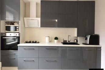 Серая кухня: 2 вида сочетаний (стены, шторы, фартук) и 139 фото